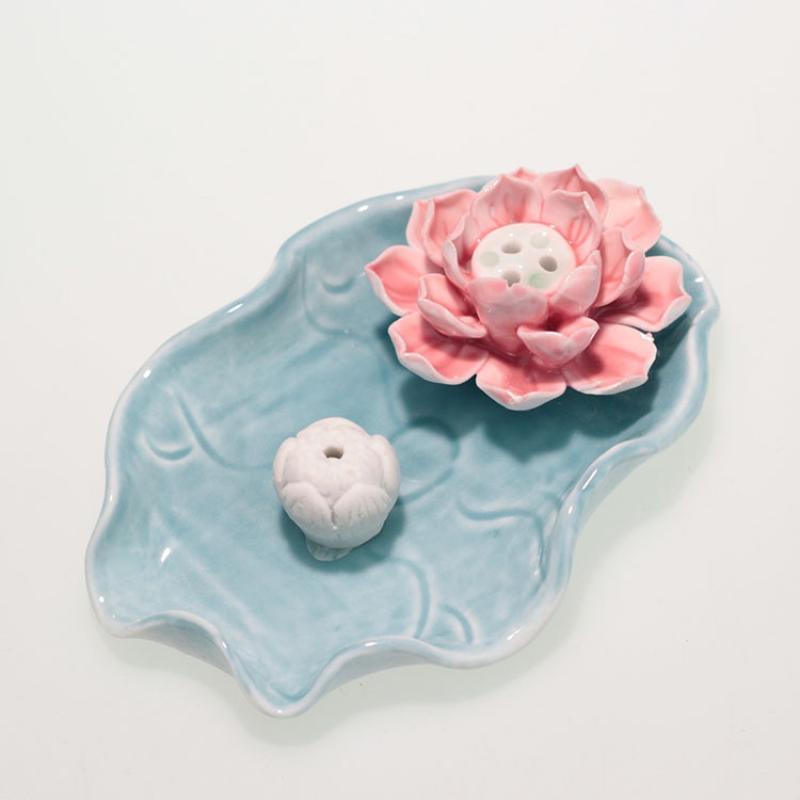 Soporte de palo de incienso de loto tradicional, soporte de incienso de cascada con forma de cerámica de loto blanco elegante, decoración casera hecha a mano Incenso