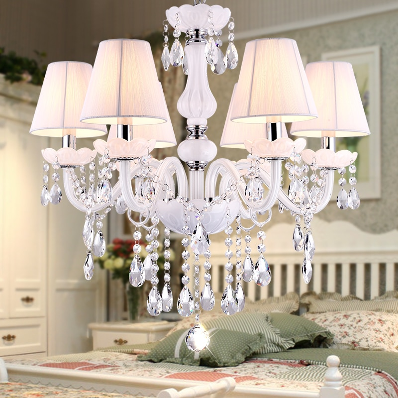 Nuevos candelabros modernos de cristal blanco para sala de estar dormitorio lámpara de interior K9 lustres de cristal lámpara de techo teto