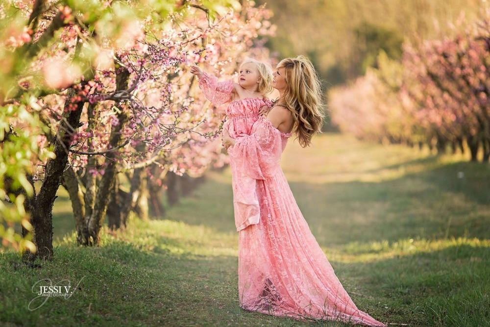 Women's lace pregnant women trailing short-sleeved dress dress photography fly sleeve dress Maternity dress photo shoot enlarge
