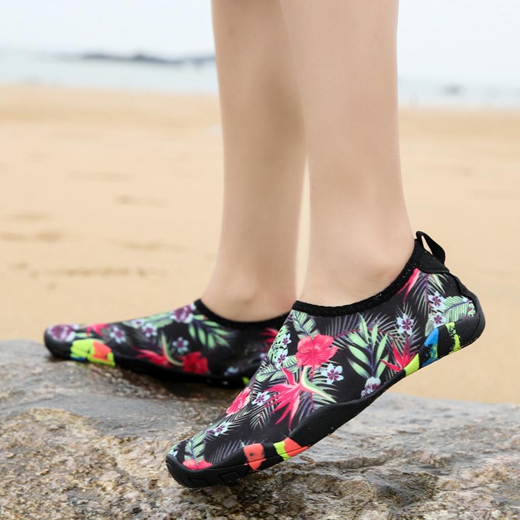 Zapatillas de natación acuáticas para hombre y mujer, zapatillas de playa Unisex, zapatillas de yoga suaves para amantes de la natación, zapatillas antideslizantes # D