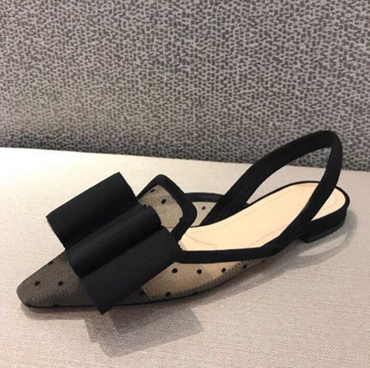 Sandalias planas de marca de diseño negro de malla de aire mariposa nudo Pilka Dot sandalias dedos puntiagudos gladiador sandalia mujer 2018 zapato de verano