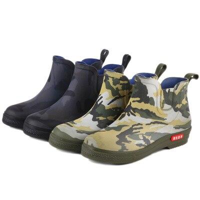 Botas de lluvia de color puro para hombre moda para actividades al aire libre 40-44 botas de pesca de talla grande para hombre gran oferta botas cortas de camuflaje impermeables de PVC