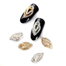 10 stks/pak Rhinestones Voor Nail Art Decorations Goud Zilver Tear Drops Transparant Kristal Stenen Ontwerp Nagels Accessoires