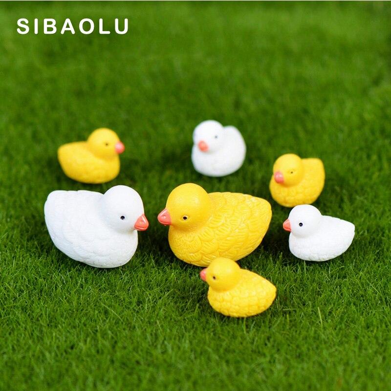 4pcs White Yellow Mom Son Ducks Miniature Figurine Cartoon Animal Home Decor Decoration Cake mini fairy garden ornament toy