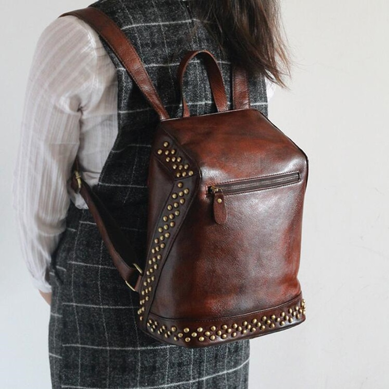 2017 Women 100% Genuine Vegetable Tanned Leather Backpacks Vintage Backpack Female Fashion Rivet
