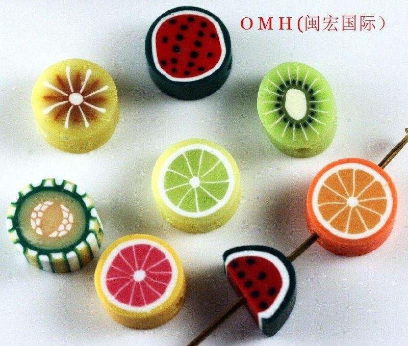 Omh atacado jóias 100 pçs acessórios argila grânulo cor misturada frutas espaçador grânulos 10mm argila zl24