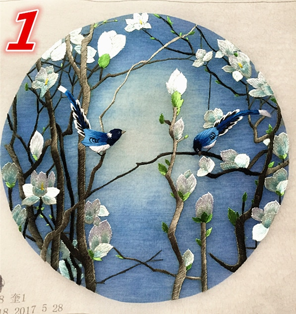Hand Chinese Silk Embroidery Double-side Design Pattern Finished Round 20cm for Bag Clothing Fan Paintings Decoration Ornaments