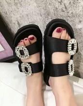 Koovan chaussons pour femmes 2019 été carré boucle plat Cool pantoufles Satin fond épais filles chaussures sandales de plage à bout ouvert