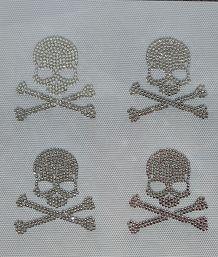 4 sztuk/partia biały, przezroczysty, czaszka projekt dżetów motyw hot fix motywy transferu rhinestone żelazko na rhinestone motywy na kapelusz koszula