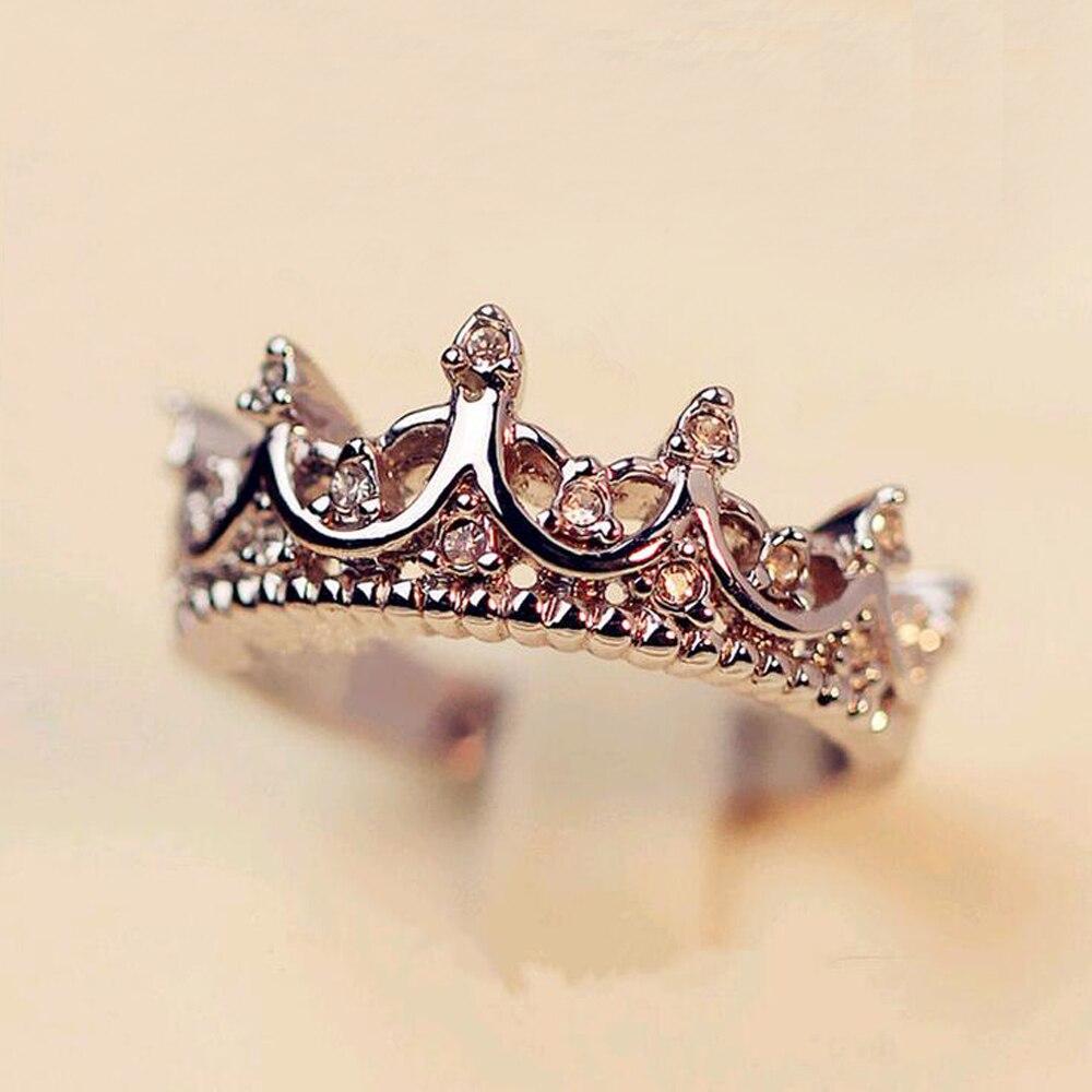 FAMSHIN de plata de moda de cristal de Color taladro corona hueca de La Reina temperamento anillos para las mujeres anillo de boda de joyería 2020