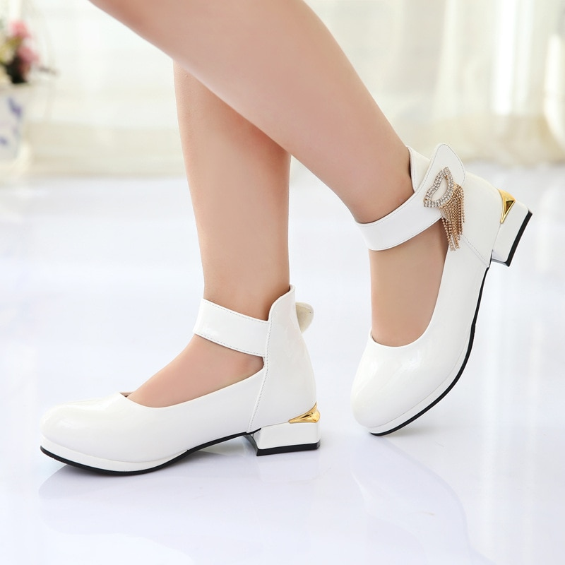 2018 spring and autumn version of fashion ladies shoes single shoes performance girls new large children shoes enlarge