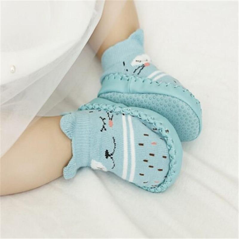 Детские, для тех, кто только начинает ходить, кожаная обувь для младенцев из хлопка для новорожденных; Обувь для малышей-мальчиков мягкая подошва осень-зима младенцев обувь для маленьких девочек