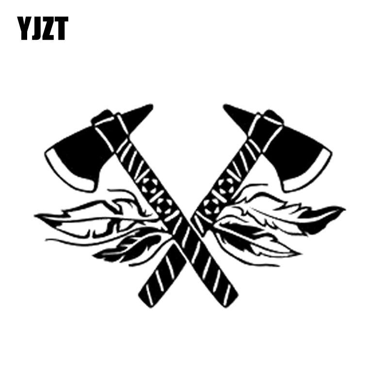 YJZT 16*10,4 CM de moda Tomahawk pluma etiqueta flecha vinilo Car-styling Car Stickers negro/plata S8-1558