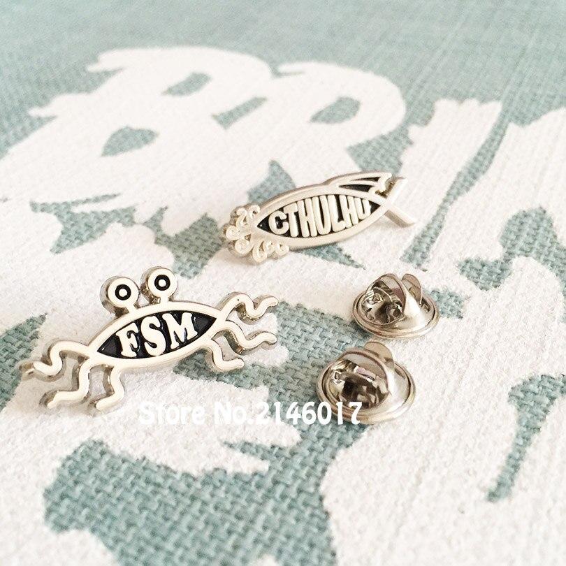 10 piezas Flying Spaghetti Monster insignias clásicas 30mm Cute FSM Pins y broche para Cthulhu pez forma de cangrejo ateo esmalte Pin