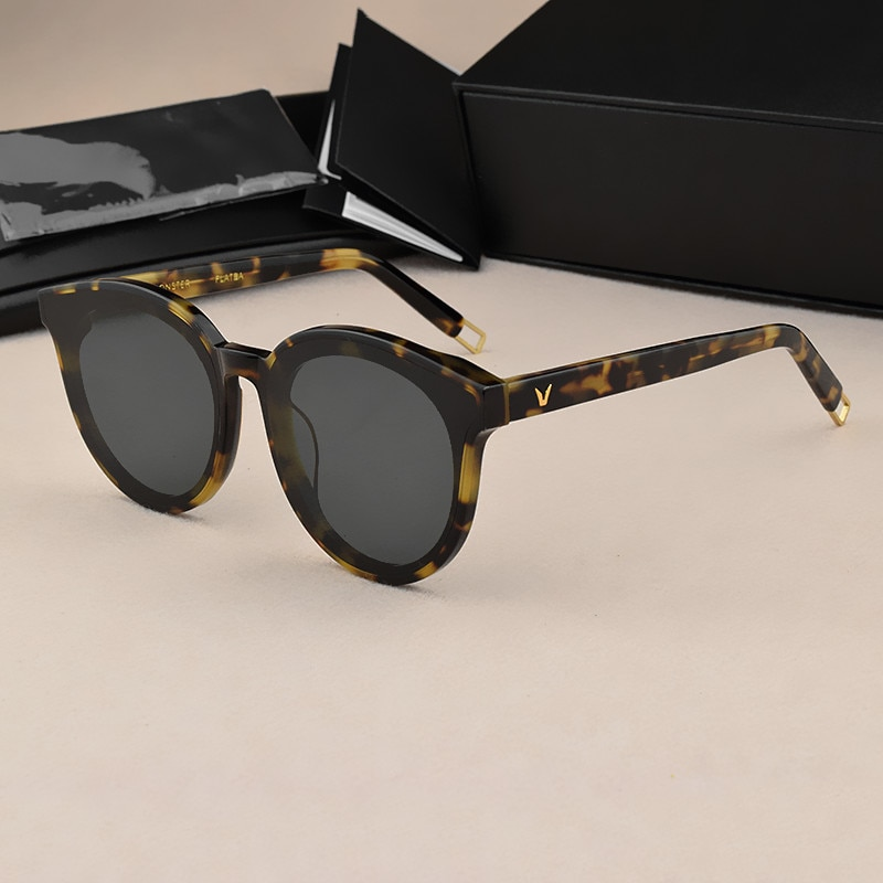 Lunettes de soleil femmes 2019 marque concepteur corée Vintage hommes lunettes de soleil UV400 surdimensionné lunettes de soleil oeil de chat Vintage lunettes de mode