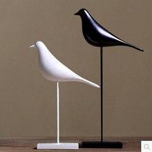 Resin craft bird figurine office statue sculpture with ornaments home decoration accessories bird sculpture