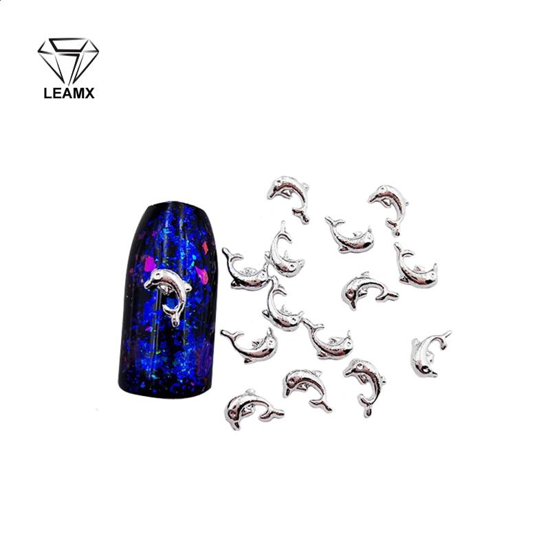 50 pièces/sac argent dauphin forme alliage 3D Nail Art décoration Metall scintillant bricolage belle fille belle Glamour ongles autocollants