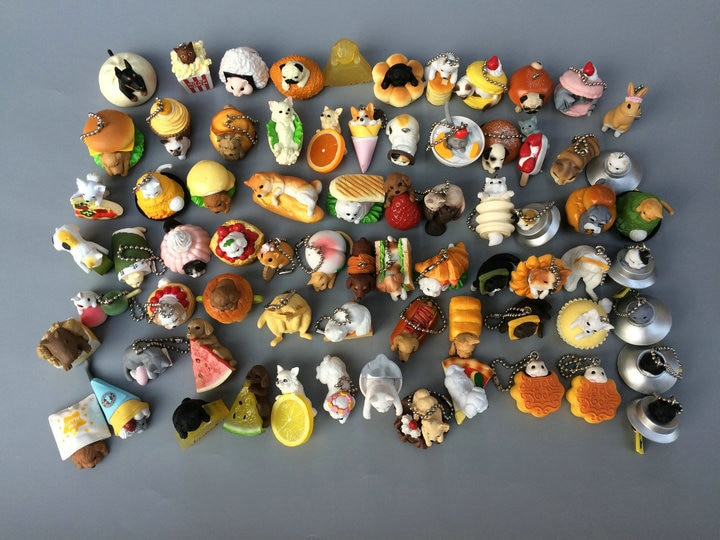 Cápsula de juguete Original japonesa, lindo pan shiba Inu, pastel de gato, helado, hámster, postre, pug Gashapon, regalo de Navidad