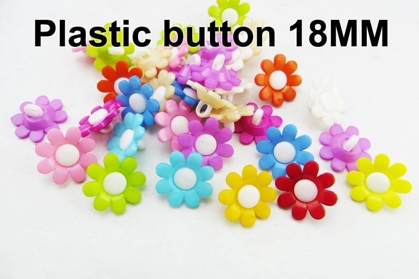 100 piezas 18 MM Colores teñidos plástico flores botones abrigo botas costura ropa accesorio ropa botón P-235