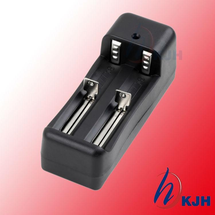 Игрушечное автомобильное зарядное устройство, 1 шт. Новое универсальное умное зарядное устройство 18650 16340 CR123A