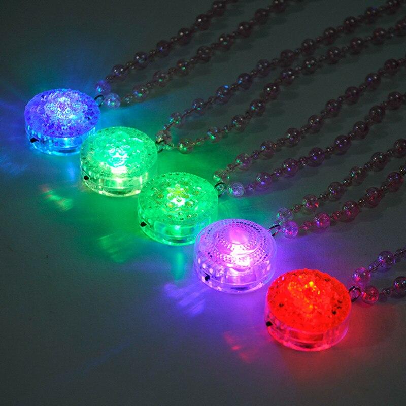50 unids/lote recuerdo de Navidad intermitente acrílico colgantes de flores Led collar liviano perla romántica collar brillante decoración de fiesta