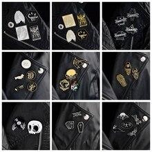 Joyería QIHE 2 ~ 5 unids/set broches góticos pins Punk broches para hombres solapa oscura pins Diablo y calavera Bat ataúd esqueleto joyería gótica