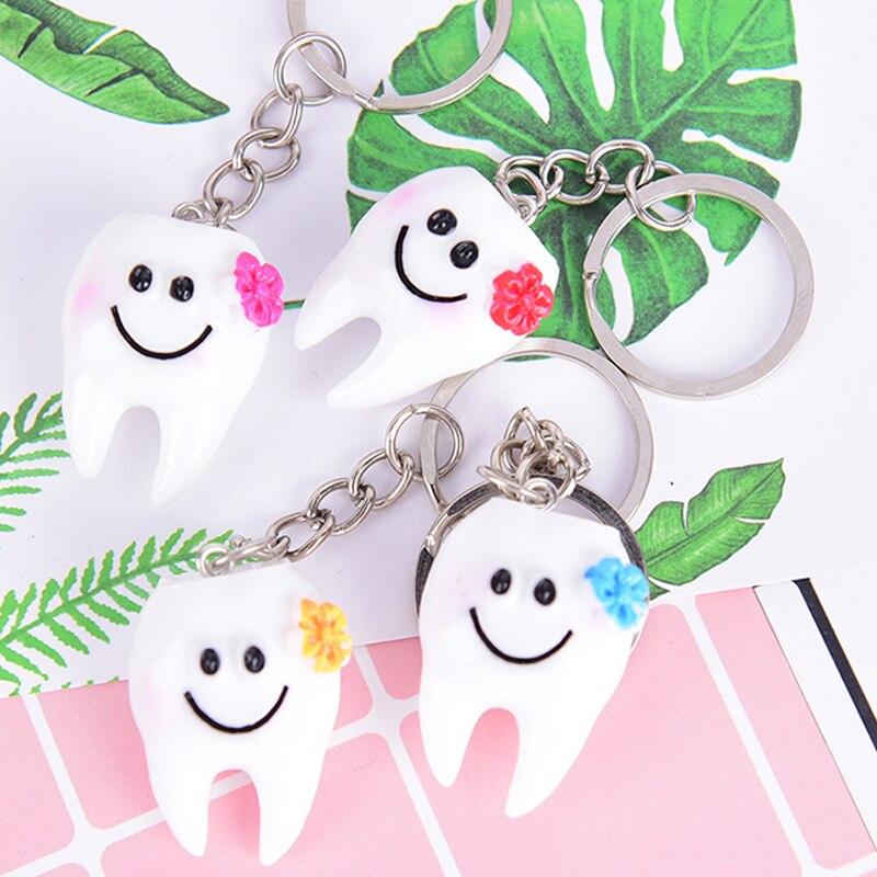 2 stücke Schöne Cartoon Simulation Zahn Anhänger Keychain Kleine Geschenke Werbe Geschenke Für Zahnarzt & Dental Krankenhäuser/Kliniken