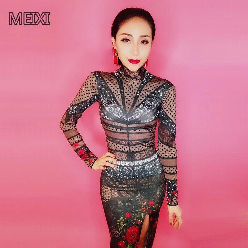 El sexy vestido combinado de diamantes de imitación negro y rosa verde siempre será usado por cantantes y bailarines