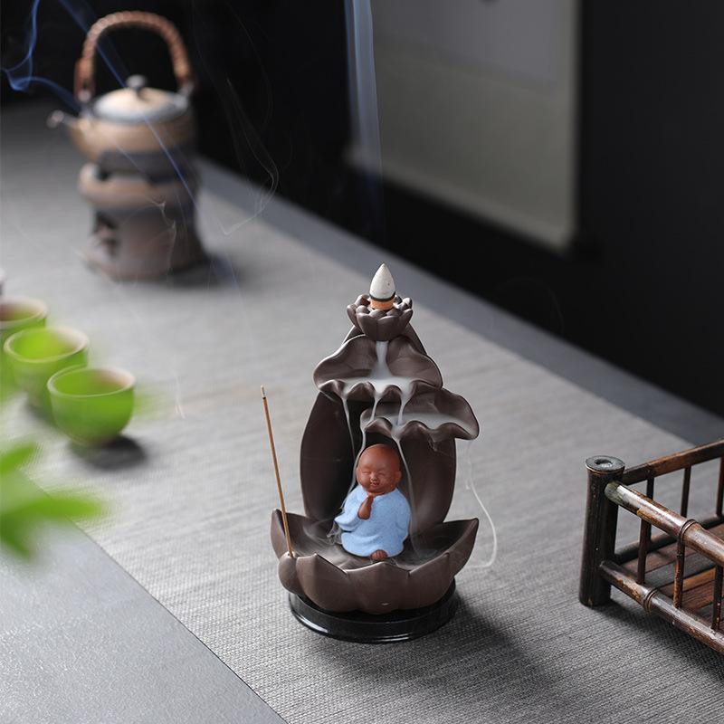 Quemador de incienso de reflujo de Cultura Budista, soporte de palos de cono de incienso estilo monje Zen, porcelana de decoración de Aroma para el hogar con luz Led