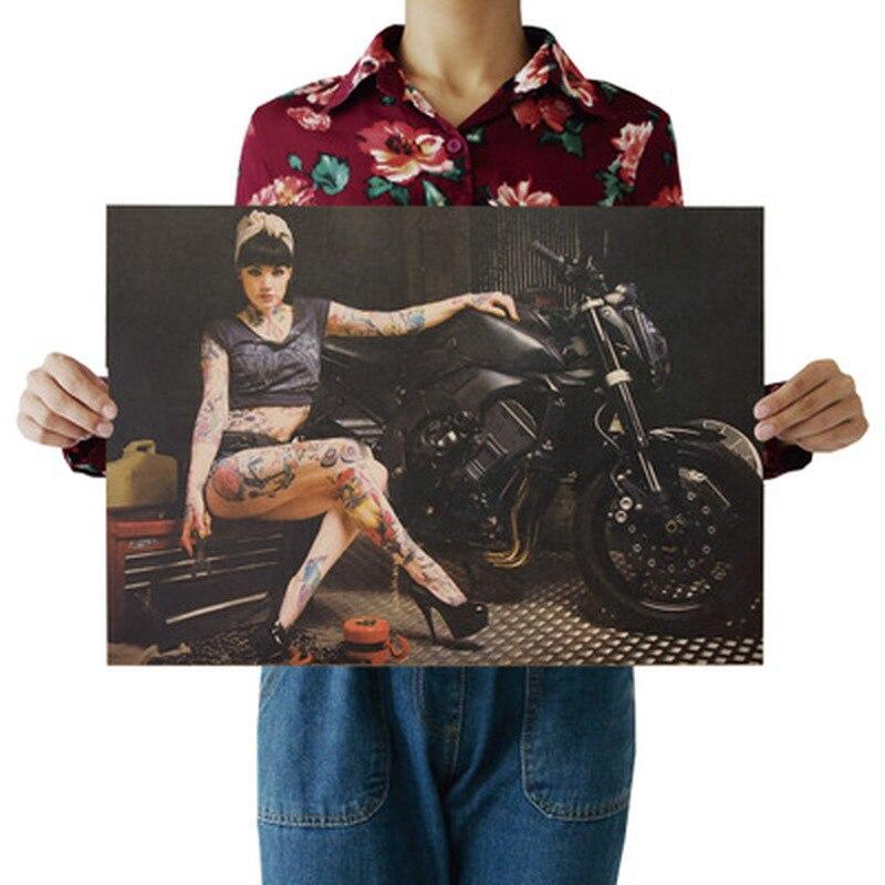 Beleza e motocicleta nostalgia foto kraft papel cartaz da barra pintura decorativa retro adesivo de parede 51.5x36cm
