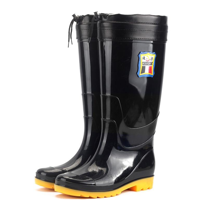 Botas de invierno para hombre, botas altas de camuflaje de invierno cepilladas, impermeables, antideslizantes, zapatos de agua viejos para mover, protegen los zapatos