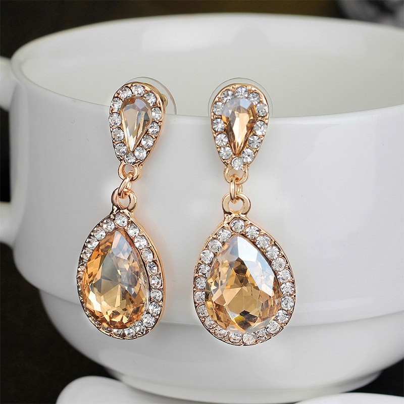 European Luxury Classical Water Drop Big Crystal Earrings Women Shiny Temperament Rhinestone Champagne Color Pendant Ear Stud