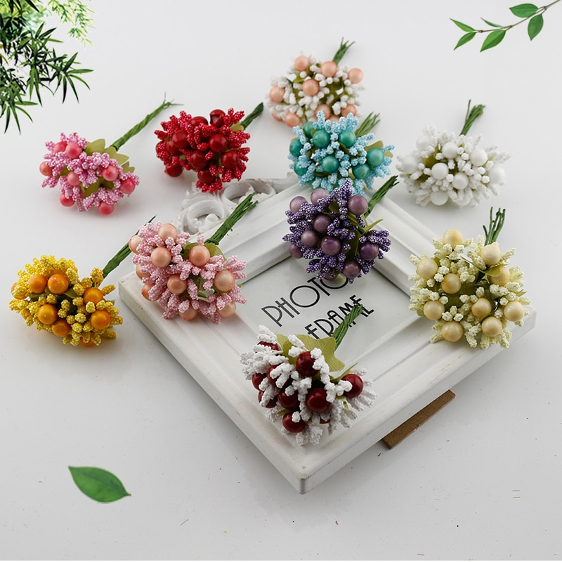 10 Uds. De estambres de bayas flores artificiales baratas para el hogar novias boda regalo para el coche caja de decoración de espuma de seda DIY corona