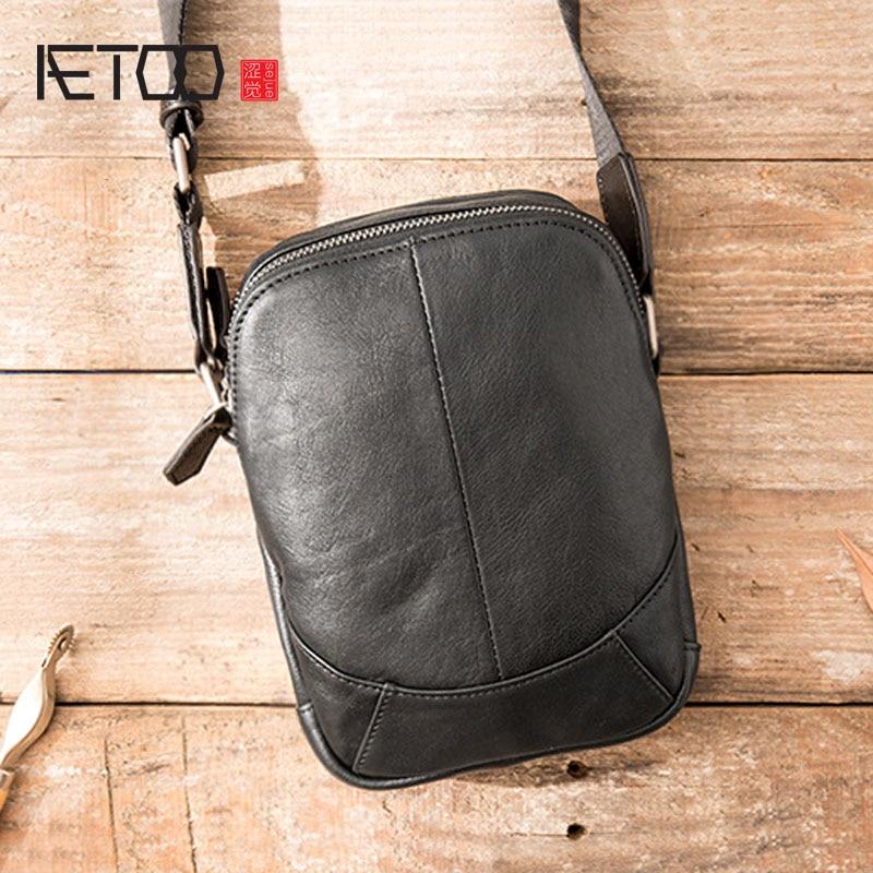 AETOO-حقيبة كتف جلدية غير متماثلة ريترو للرجال ، حقيبة صغيرة قطرية من جلد البقر الناعم