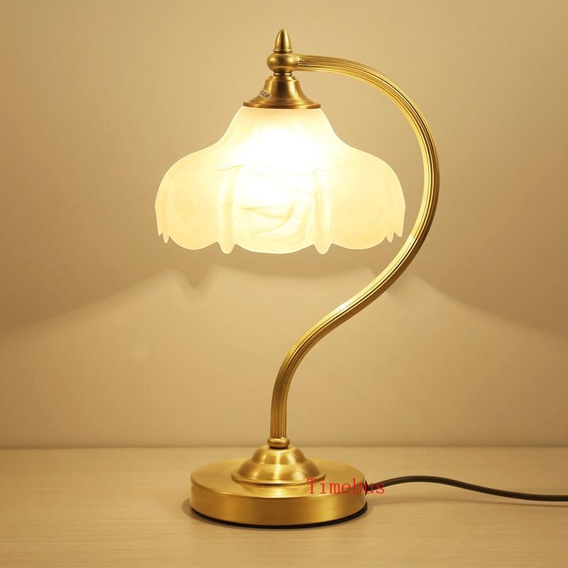 Armario para cabecera de cama lámpara de escritorio lámpara de dormitorio película y TV play Lámpara de mesa decorativa Retro Oficina estudio todo cobre lámpara de escritorio