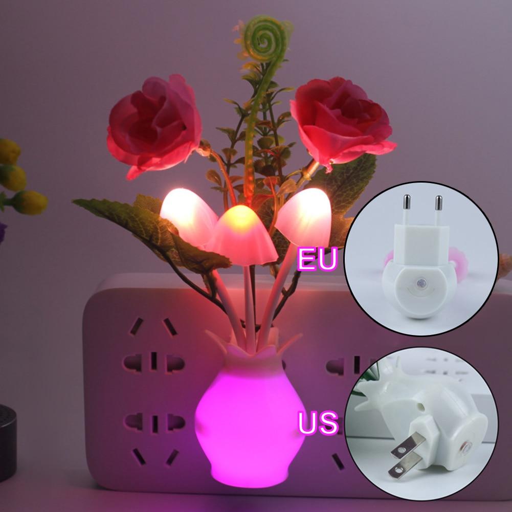 Lámpara LED colorida con sensor de luz de noche y flores, luz con Sensor de enchufe europeo para decoración de pared del dormitorio del hogar