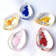 100 Uds. Colgantes de candelabro de rosa de cristal de 5 colores mezclados 50mm accesorio de lámpara de vidrio DIY patrón de flores grabadas a mano