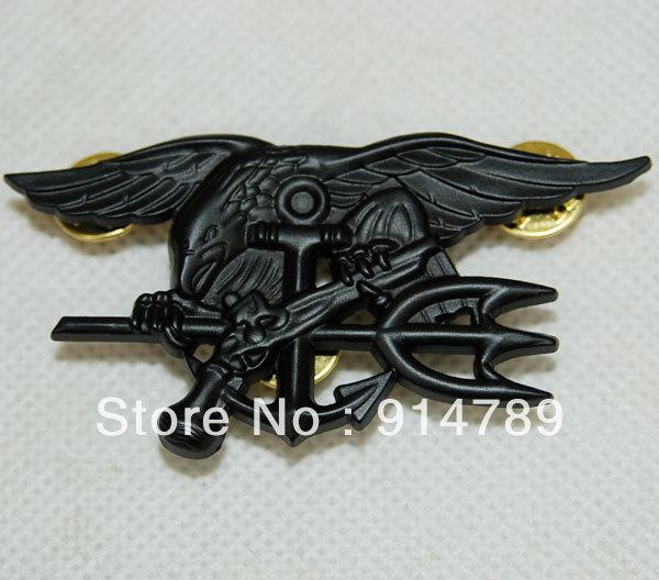 US NAVY sello águila ancla TRIDENT placa de METAL INSIGNIA negro-32478