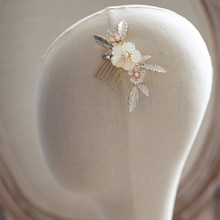 Natural Shell Flower Bridal Hair Comb Clip Headpiece Head Jewelry Wedding Hair Accessories Bijoux Cheveux Mariage WIGO1375
