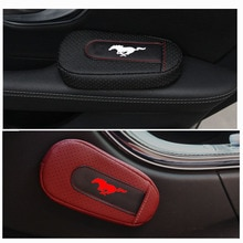 Coussin de bras de porte de voiture de coussin de soutien de pied doux et confortable pour Ford Mustang