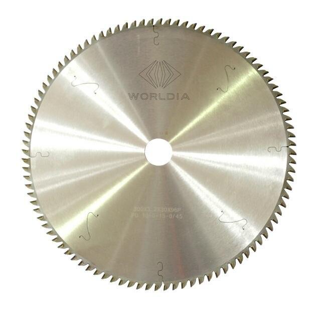 شفرة المنشار لأثاث الألواح الماسية PCD ، لوح كثافة المنشار 300*3.2*30*96T