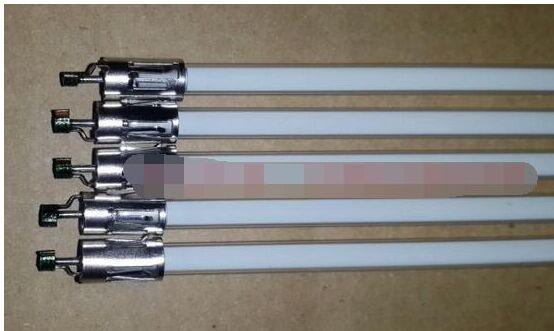 704 مللي متر x 3.8 مللي متر CCFL مصباح الخلفية أنبوب مع حامل دون اللحيم ل 32 'شارب LCD-32GH3 LCD-32D30WH LCD-32D500A-WH LCD شاشة التلفزيون