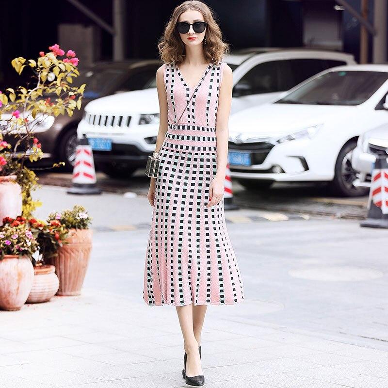 SHTONGHUA New 2019 High Quality Summer Sleeveless Tank V neck Knitted Dress Women Slim Holiday Mid calf Dresses weater Vestidos