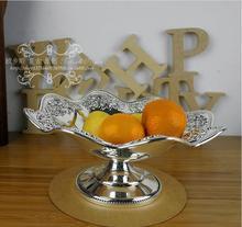 Plateau européen en métal argenté ondulé   Décoration européenne pour la pâtisserie aux fruits, plateau de service pour événement de mariage sculpté en relief SG095