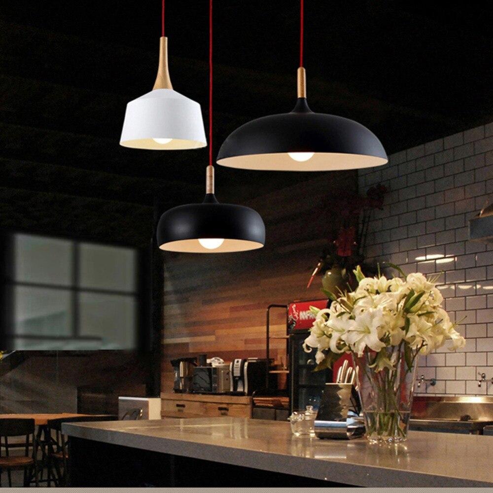Lámpara colgante moderna de estilo nórdico lámpara colgante clásica Luz de madera rústica Pantalla de aluminio para lampara
