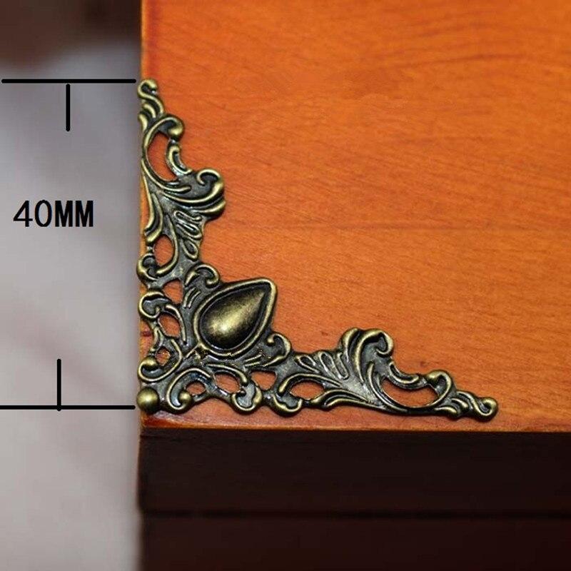 Cabujón con forma de flor de triángulo filigrana de bronce, esquina del corazón antiguo, adornos de Metal con reverso plano para libro de recortes, 42mm,100 Uds