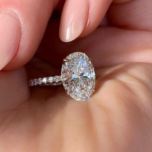 Huitan овальное кольцо на палец, ослепительный Блестящий CZ камень, четыре зуба, классический Свадебный Подарок на годовщину для жены и подруги