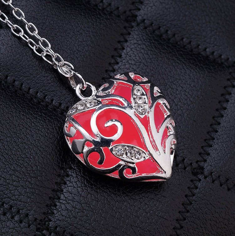 Hot New Glow In The Dark Locket Hollow Glowing Stone Pendants Necklace Statement Chocker Silver Color Necklace Women gift N1163