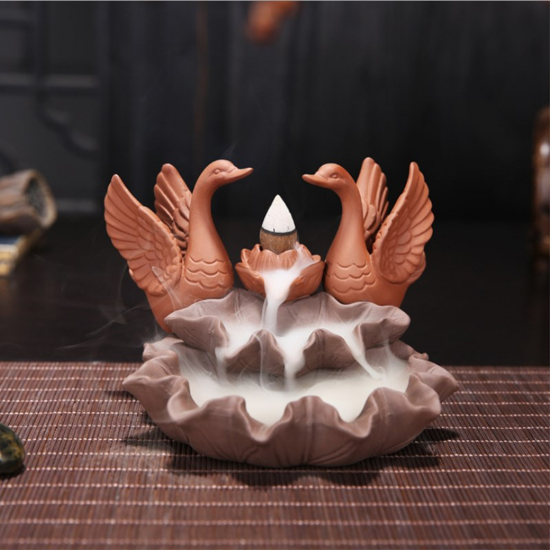 Cisne flujo de retorno de cerámica quemador de incienso adorno de mesa sándalo incience quemador humo Back-flow Censer cono titular Craft