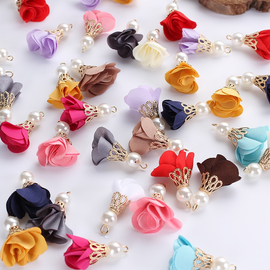 50 unids/lote de borlas de flores de tela mixta de colores con colgantes de perlas para pendientes, joyería, manualidades Diy, bolsas de costura